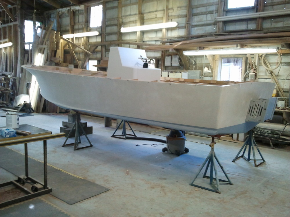 22' center console - side view