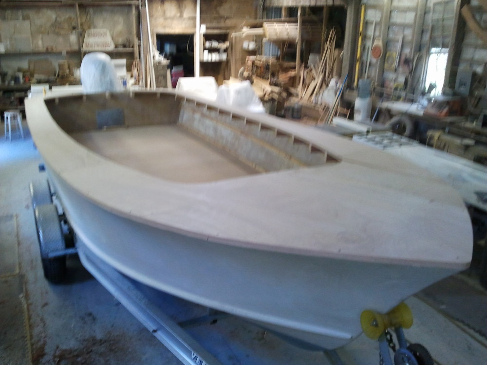 22' Center Console bowdeck