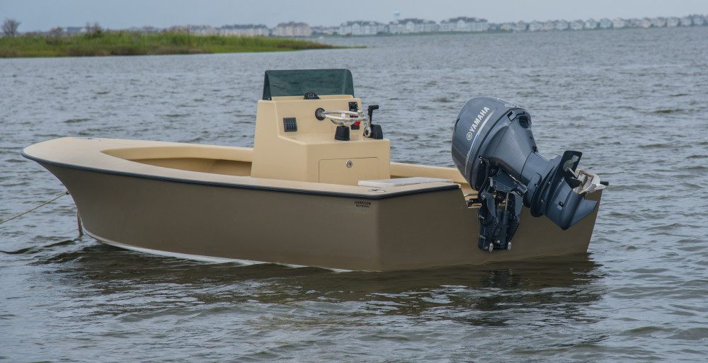 Shallow-draft Carolina tunnel skiff